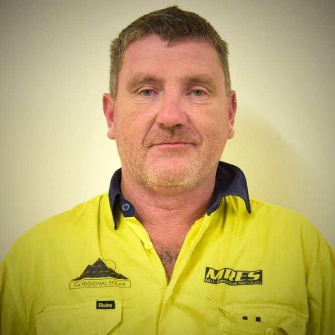 Simon Chegwidden - Electrician > 15 years experience medium - large project manager